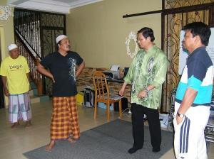 MB bersama Pengarah PRK 036 Dun Batu Buruk dan Ketua Penyelaras PAS Perak